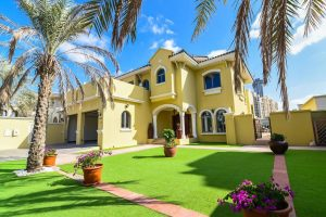 Dubai Holiday Villas
