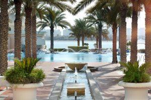 Dubai Palm Jumeirah Friday brunch with beach and pool access